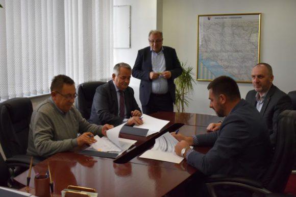 Osigurana sredstva za sanaciju i asfaltiranje puta u povratničkom naselju Kuti  u Općini Sokolac