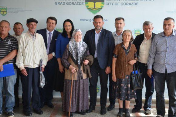 Ugovori za obnovu 15 stambenih jedinica povratnicima u Goraždu i Foči u FBiH