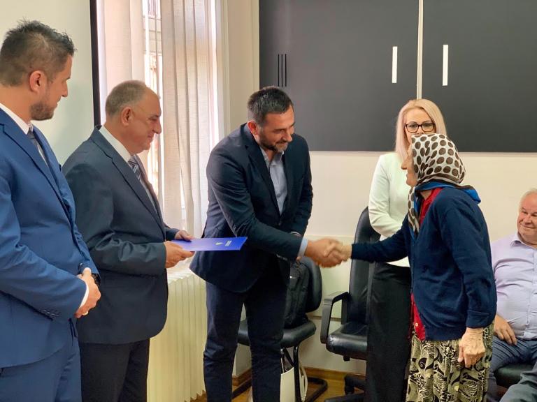 Ministar Ramić u posjeti Prijedoru: Ugovori za obnovu 15 stambenih jedinica povratnicima