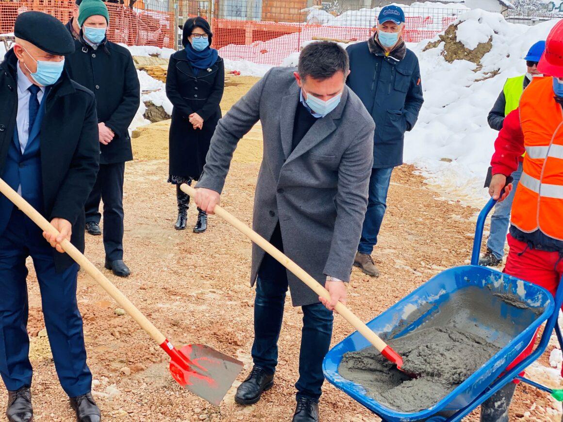 Kalesija: Ozvaničen početak izgradnje zgrade za socijalno stanovanje